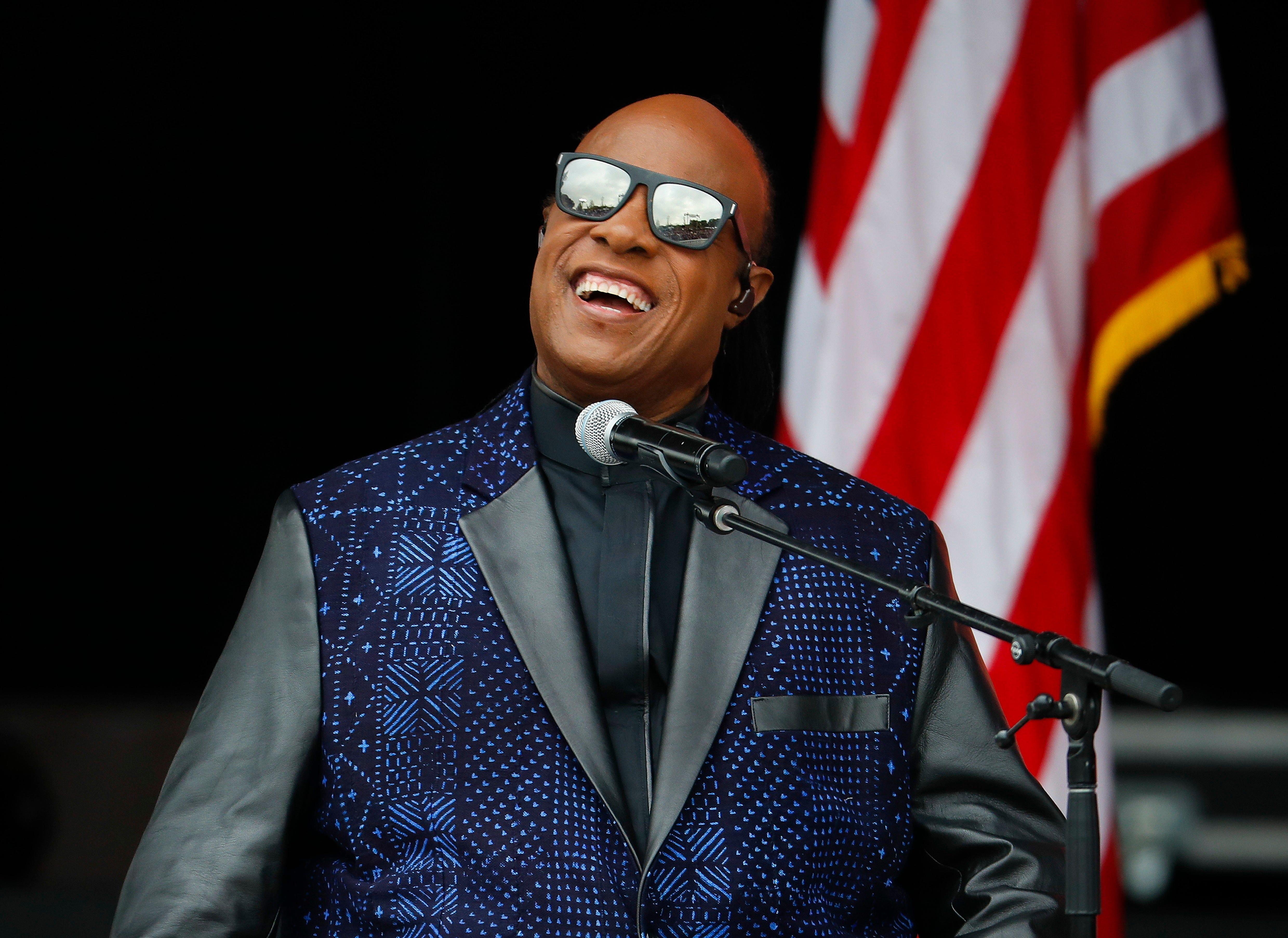 Stevie Wonder Tour 2020 Usa Stevie Wonder's kidney transplant may sideline him till 2020