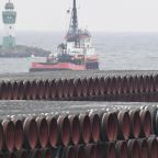 Russian ships move to resume Baltic pipeline construction