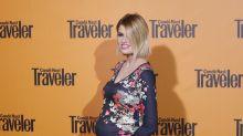 Adriana Abenia presume de embarazo en los premios Traveler 2018