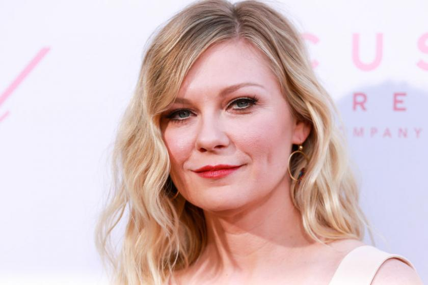 A confused Kirsten Dunst asks Kanye West why he put her on his campaign poster - Yahoo News