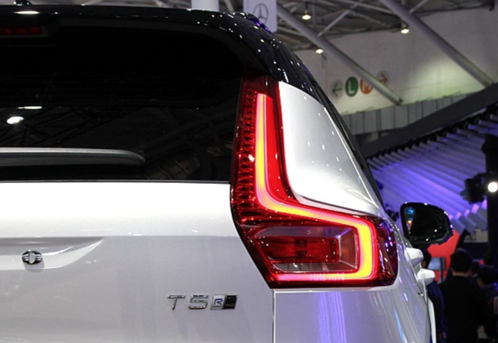 台灣銷售規格雖然未確認,不過有消息傳出頂級車型( T5 R-Design)售價約會在 200 萬台幣上下。