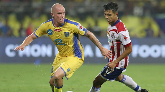 Kolkata and Kerala Play Out a Goalless Draw in ISL Opener