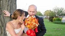 Empresa lança buquês de pizza para noivas