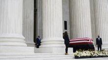 Etats-Unis : Donald Trump se recueille, sous les huées, devant le cercueil de Ruth Bader Ginsburg