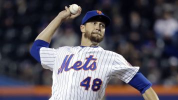deGrom leaving Mets' trip for MRI on sore elbow