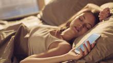 Pessoas que demoram para se levantar da cama são mais inteligentes, diz estudo