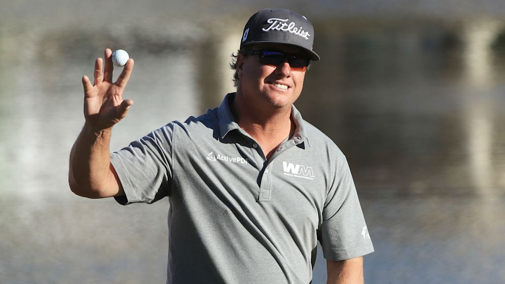 Hoffman holes mammoth putt to tie Kisner at Bay Hill
