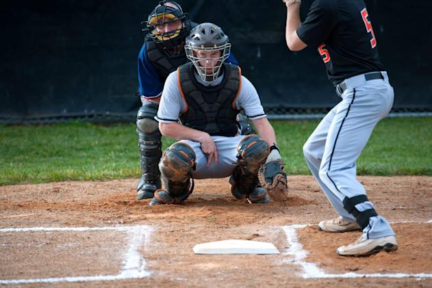 MLB cracks down on high-tech sign stealing