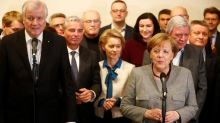 Angela Merkel n'arrive pas à former sa coalition