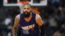 How center Tyson Chandler is staying positive with the going-nowhere Suns