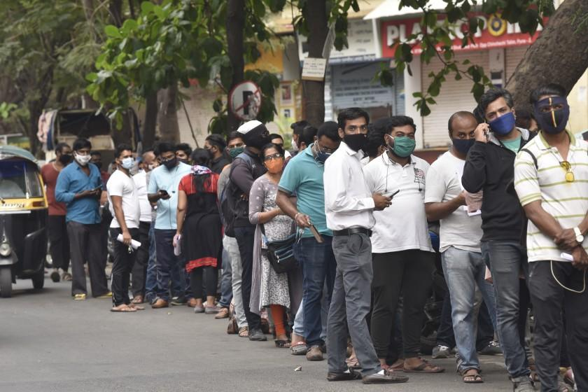 No refuge for India's rich and middle class from second COVID-19 wave