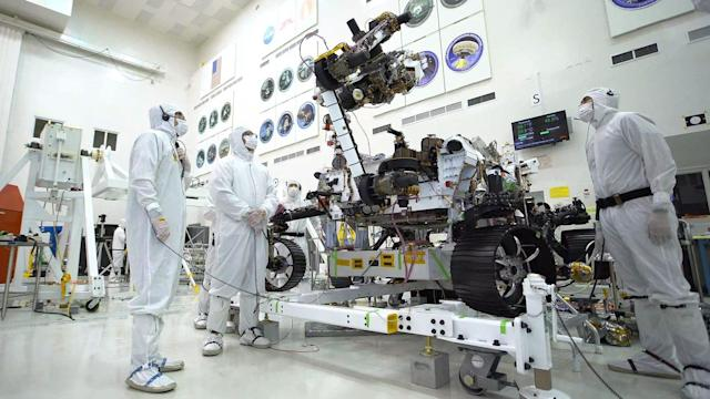 Watch the Mars 2020 rover do a biceps curl with an 88-pound turret