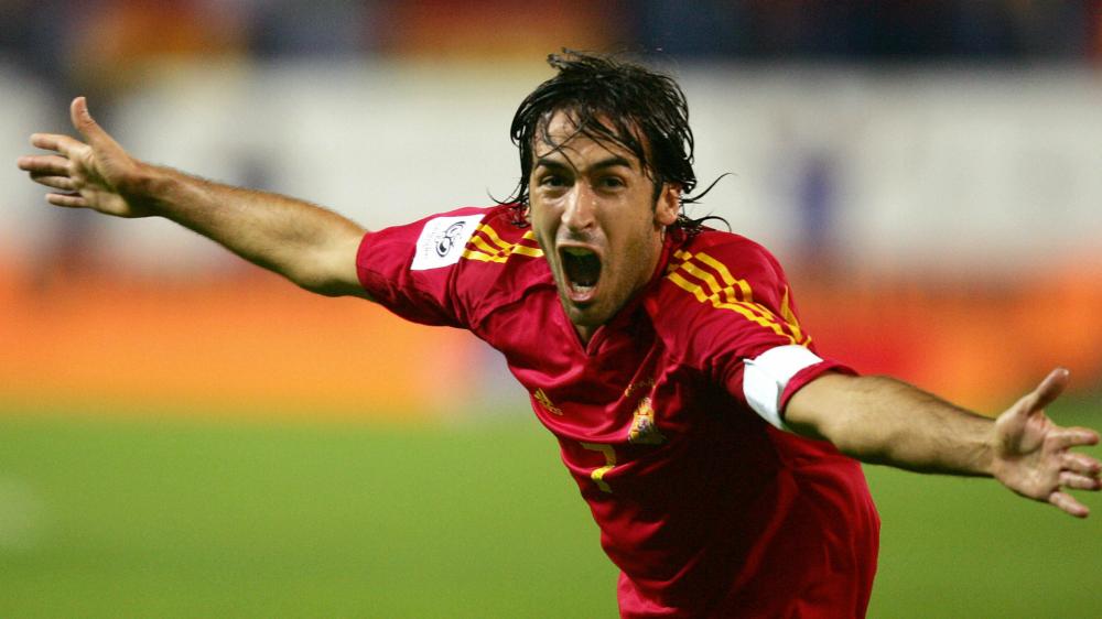 """Real Madrid, Raul a sorpresa: """"Lavorare al Barcellona? Mai dire mai"""""""