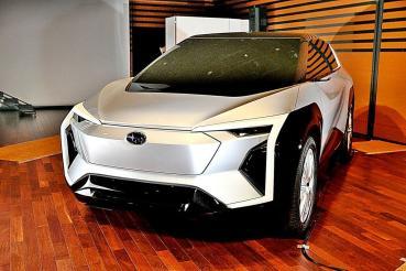 不再水平對臥, SUBARU的 2022 年式Evoltis休旅將前進電動車市場