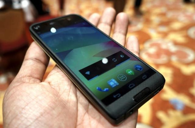 Saygus' over-specced phone costs $550 for early birds