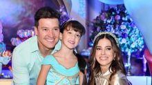"""Filha de Rodrigo Faro ganha festa de aniversário inspirada em """"Aladdin"""""""