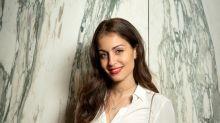 Hiba Abouk y el color de labios que nunca falla