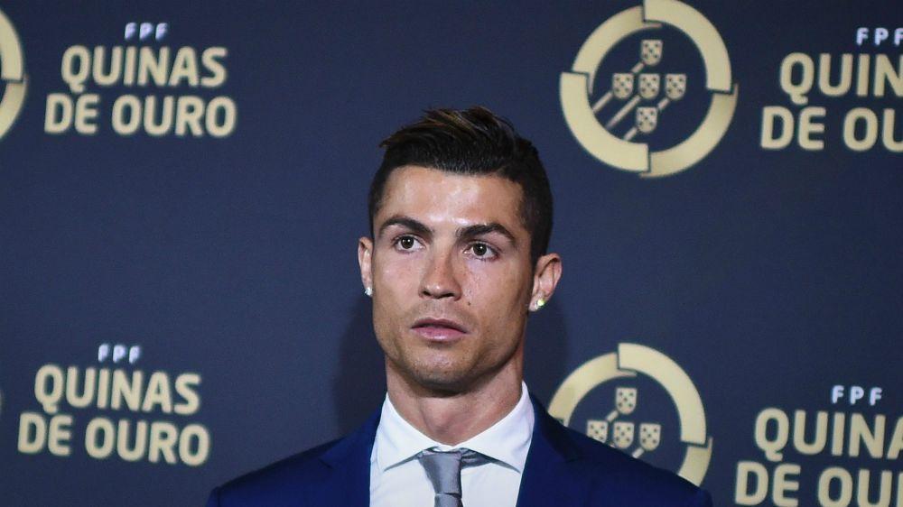Esse era barbada! Cristiano Ronaldo ganha mais um prêmio em Portugal