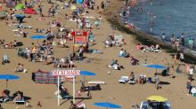 UK weather forecast: Brits hit the beach to bask in 26C sunshine with toasty temperatures set to continue for days