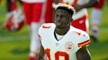 Tyreek Hill explains why he shoved Chiefs WRs coach Greg Lewis during Sunday's game