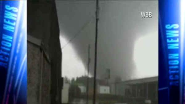 2 dead after storms rake South, move to Northeast