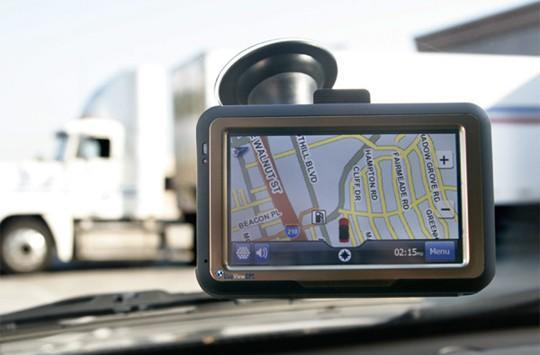 NavTrac's RTV10 PND does GPS tracking, two-way messaging
