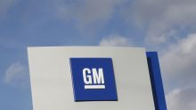 GM results dented by pickup truck changeover