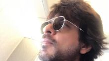 SRK's cryptic tweet: Every time the past weighs on ur heart, make her ur present