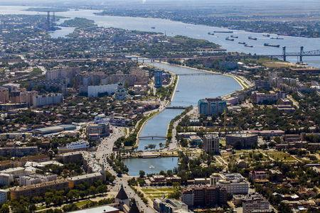 An aerial view of the southern city of Astrakhan, Russia, in this August 28, 2013 file photo. To match Insight RUSSIA-CRISIS/ASTRAKHAN REUTERS/Ivan Rotanov