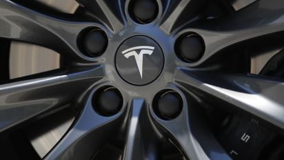 Tesla's board to be on lookout for senior talent