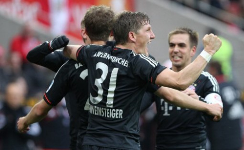 Los jugadores del Bayern de Múnich celebran el primer tanto del equipo, de Thomas Mueller, contra el Magnuncia, este sábado.