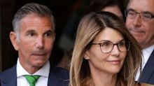 Lori Loughlin's 'smiley' appearance at court criticized: 'This is not red carpet time'