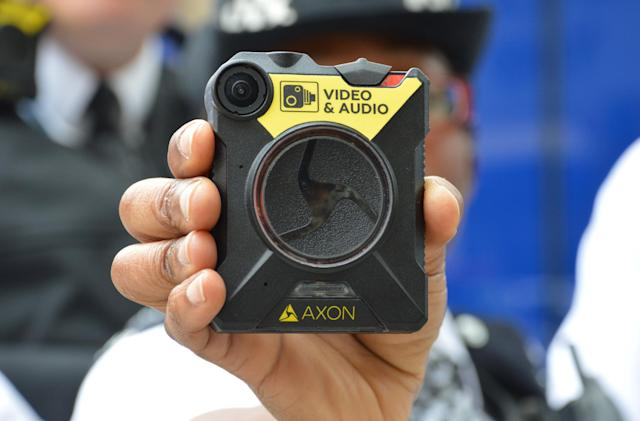 Body cameras will be given to 'over 22,000' London police