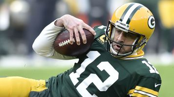 Fantasy starts and sits: Rodgers no QB1 in Week 15