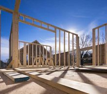 Homebuilder Stocks Flash Key Sell Signal Despite Strong Earnings
