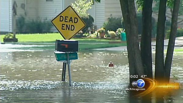 Area flooding as storms move through Chicago