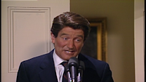 Robin Williams as Ronald Reagan on 'SNL'