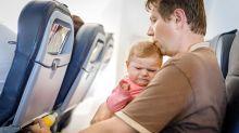 Qué hacer si te toca viajar en avión con un niño que llora
