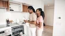 Couples who wash dishes together have better sex