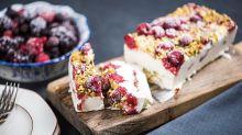 Laurent Mariotte dévoile sa recette du gâteau glacé au yaourt, un dessert express parfait pour l'été
