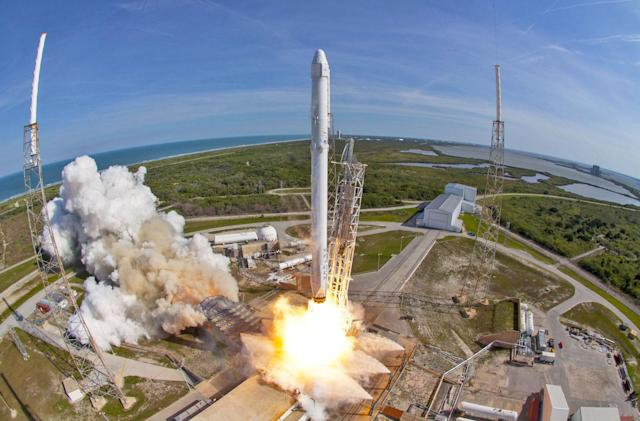 Watch SpaceX re-launch used Dragon capsule for the first time (updated)