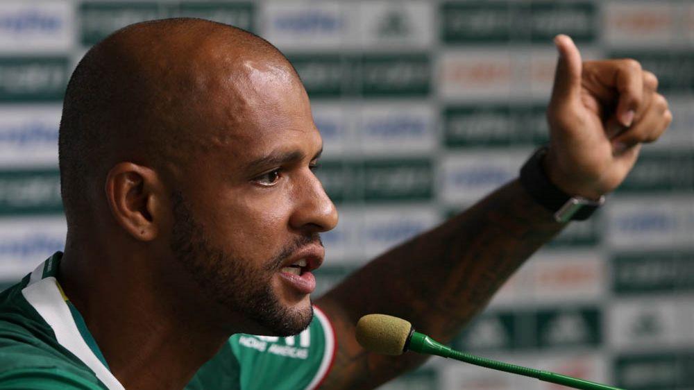 """Emocionado com primeiro gol pelo Palmeiras, Felipe Melo promete """"pitbull"""" nas comemorações"""