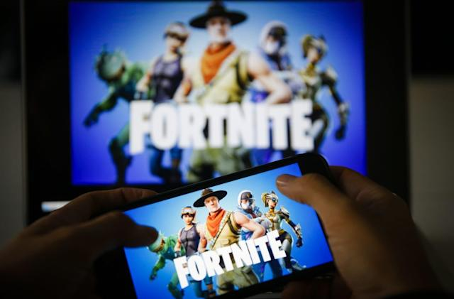 'Fortnite' New Year's event forces players to dance when it turns 2019