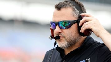 Stewart takes small step closer to Indy 500