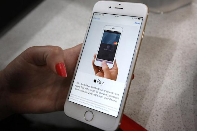 UK government starts accepting Apple Pay and Google Pay