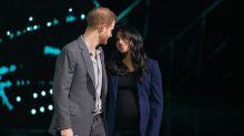 El príncipe Harry 'arrastra' a Meghan Markle al escenario