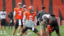 Browns' Mayfield changes stance, will stand for anthem