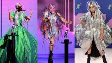 Lady Gaga se destaca com looks e máscaras icônicas em premiação