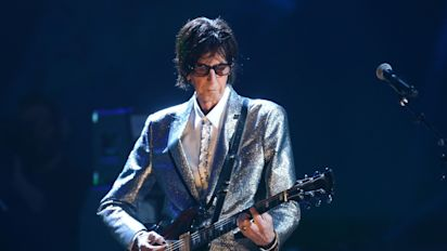 Singer Ric Ocasek of The Cars dies at 75
