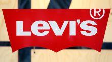 Levi's begins trading, valued at $6.6 billion